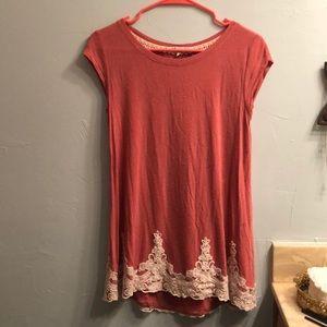 Women's pink long T-shirt